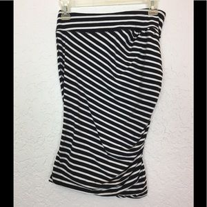 Lululemon go anywhere skirt striped